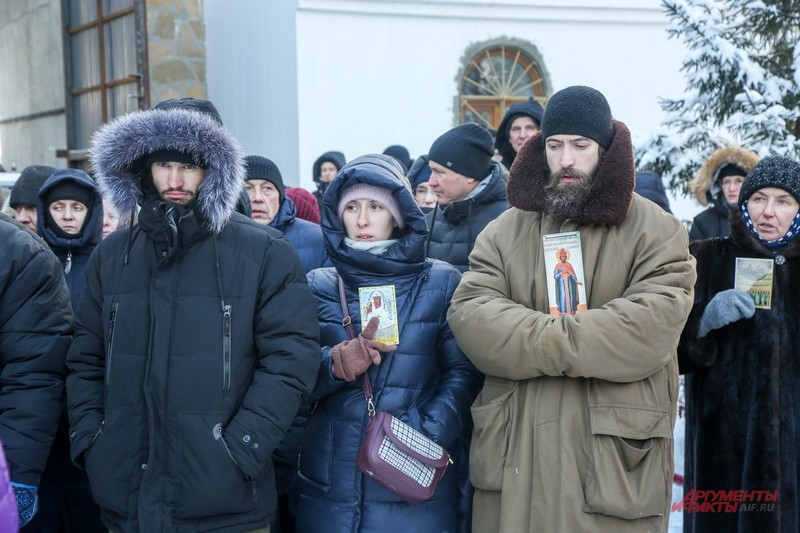 Сторонники Сергия не жалуют посторонних на территории моностыря