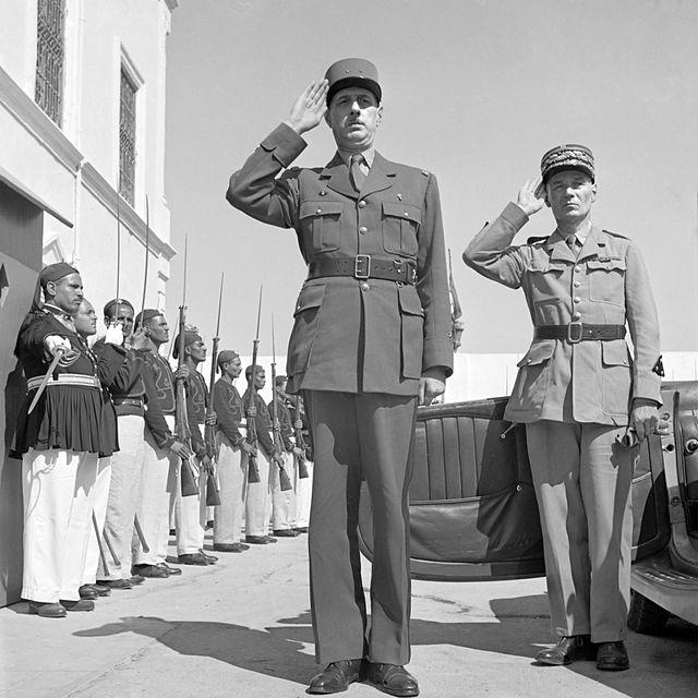 Де Голль (в центре) в Тунисе, 1943