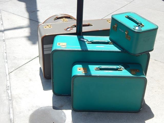 О наличии багажа сообщайте оператору во время заказа машины.