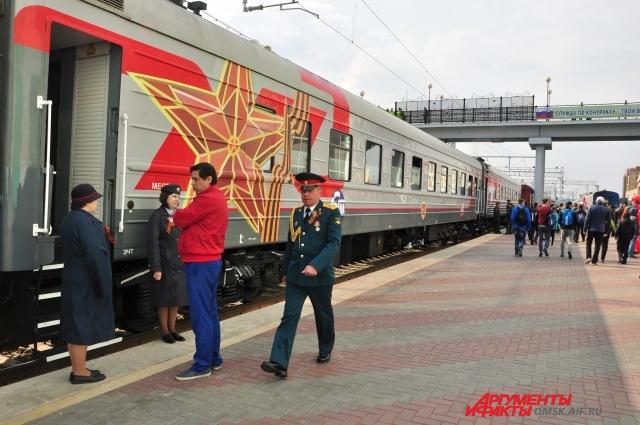 Праздничное оформление поезда.