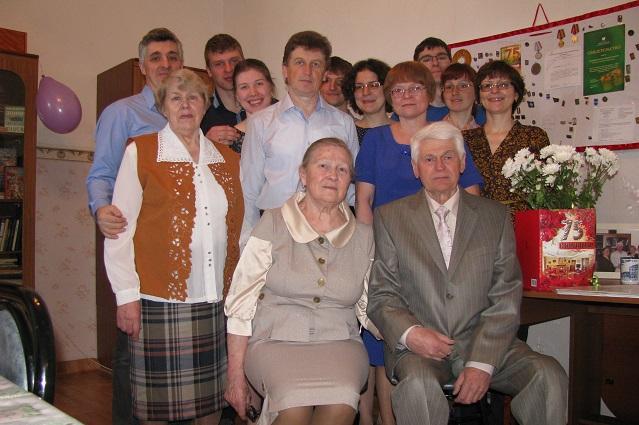 Геннадий Михайлович Лопатин со своей семьёй.