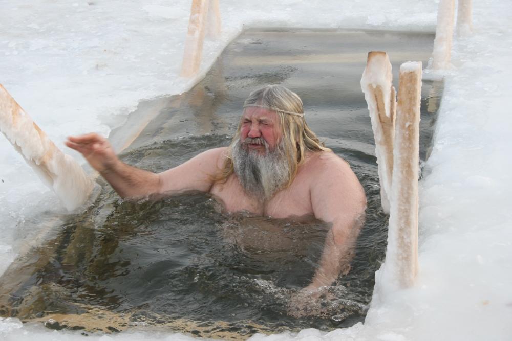 Крещенские купания «доктор прописал» только абсолютно здоровым и подготовленным людям.