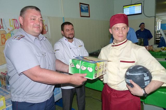 Победитель кулинарного конкурса в исправительной колонии.