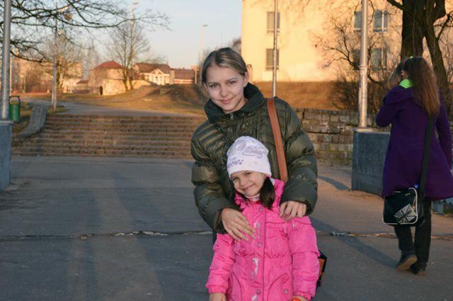 Оля и старшая дочь Елены