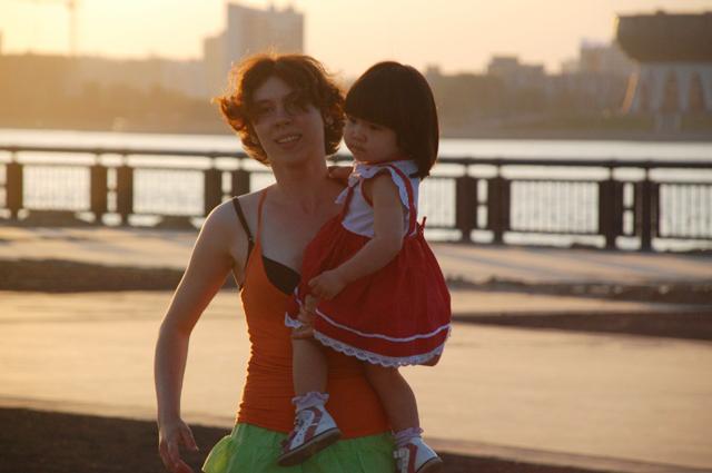 Елена иНадин вКазани на«Сальса опен-эйр» в2014 году.