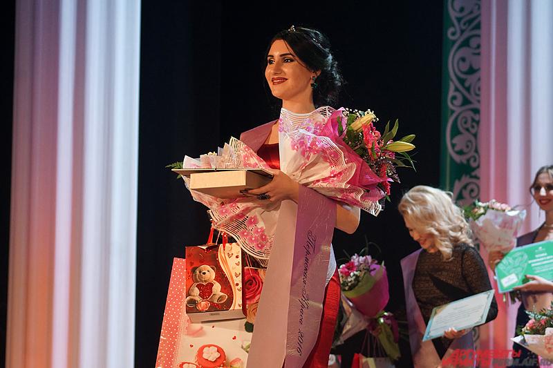 В итоге титул «Пермская краса» взяла 21-летняя Каринэ Агаджанян.