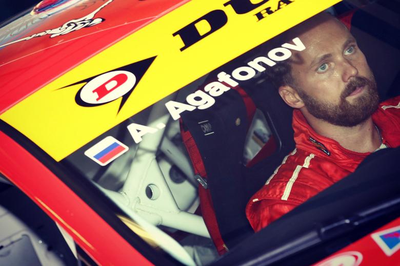 Андрей Агафонов - инструктор с 15-летним стажем в спортивном и контр-аварийном вождении.