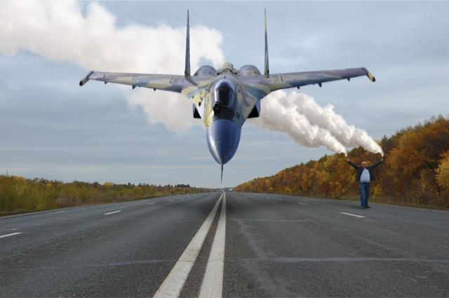 2,5 км идеальной дороги под Оренбургом похожи на взлётную полосу.
