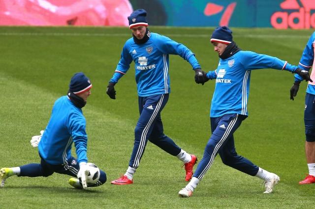 В сборную уроженцы Кубани пробились из «Локомотива»