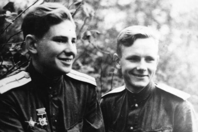 С лучшим другом Иваном Антипиным (слева).