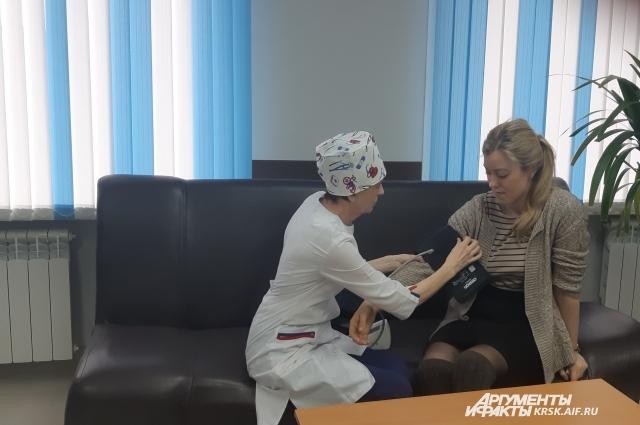 Больницы продолжают работать в своем привычном ритме.