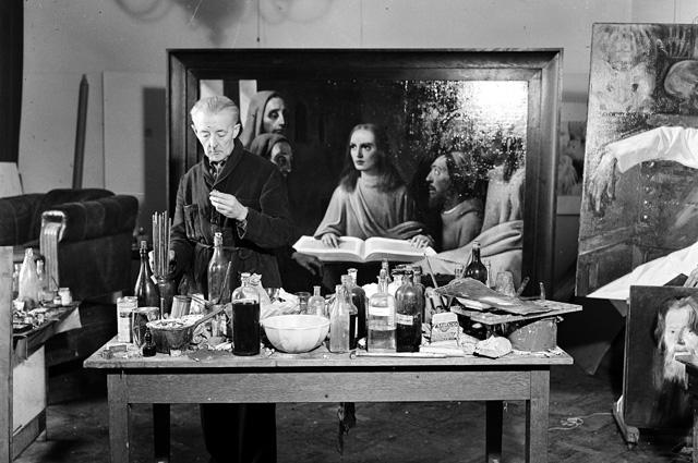 Ван Мегерен в 1945 году пишет картину «Иисус среди книжников» для судебного эксперимента.