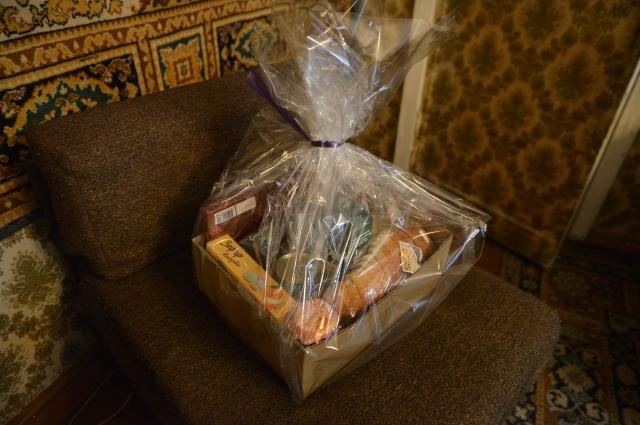 Подарок Ларисе Алёхиной от администрации Тулы