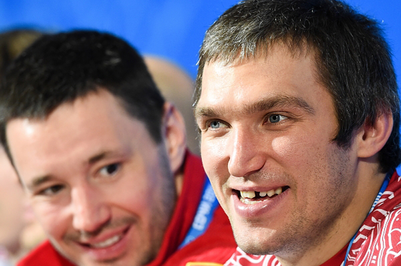 Илья Ковальчук и Александр Овечкин на пресс-конференции мужской сборной России по хоккею перед стартом Олимпийских игр в Сочи