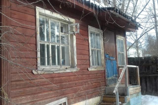 После смерти матери Мохова дом пустует