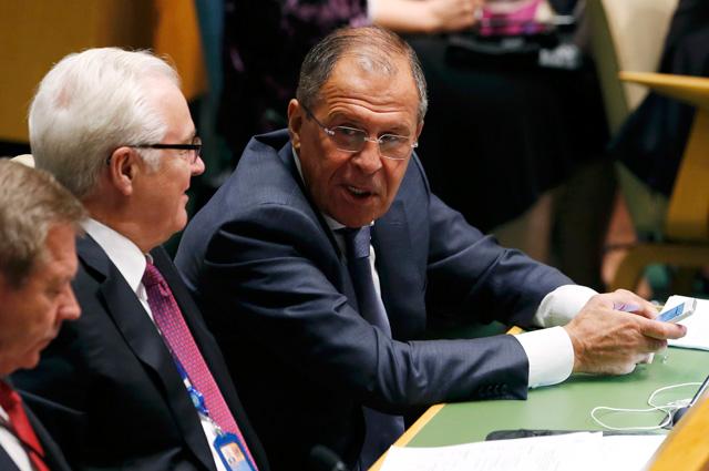 Министр иностранных дел России Сергей Лавров с послом ООН от России Виталием Чуркиным