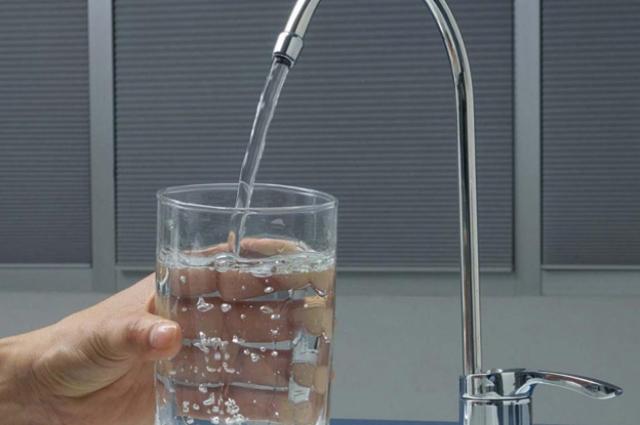 Вода - одно из составляющих молодости.