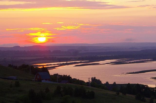 Рассвет и закат с детства удивителен для Владилена Овчинникова.