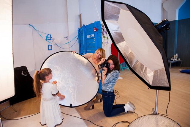 За три года волонтёры сфотографировали около тысячи деток.