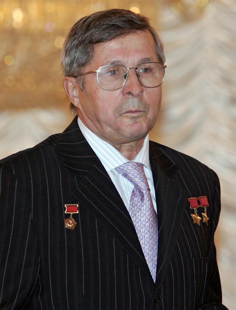Виктор Савиных