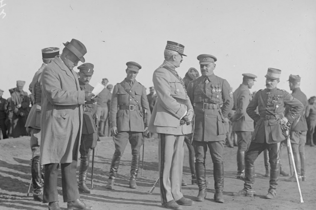 Парад в честь прибытия генерала Жанена. Омск, 1919 год.