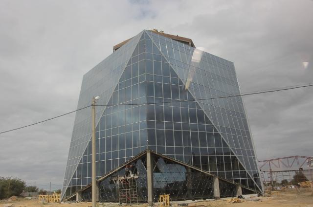 Первые корпуса комплекса должны были принимать гостей в 2018 году.