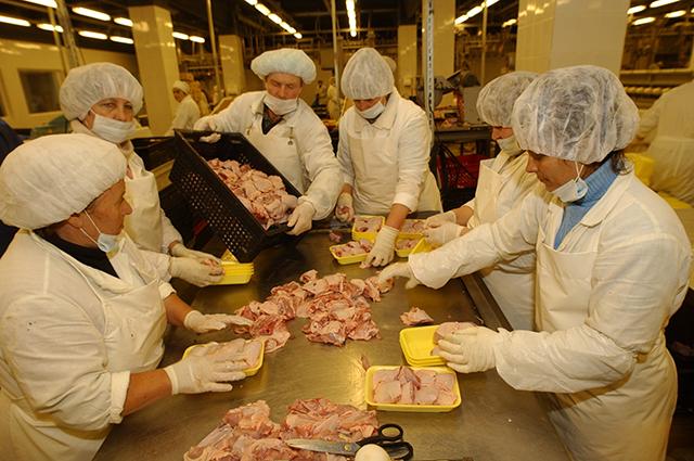 В дальнейшем птицефабрики планируют активнее продавать разделанные тушки в лотках.