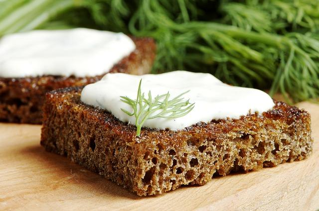 Укроп не только украшает блюдо, но и делает его полезнее.