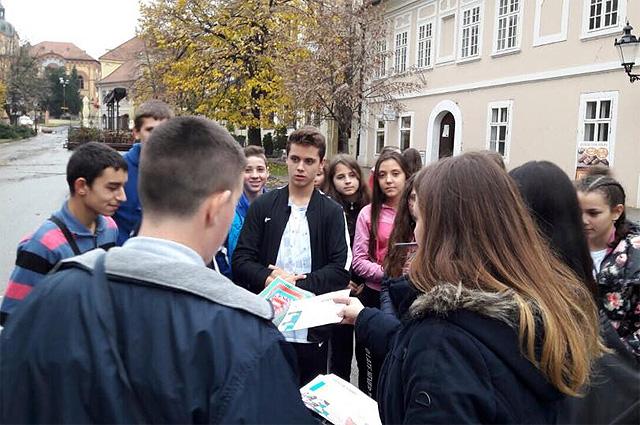 В г. Нови-Сад на площади гимназии «Й.Й.Змай» состоялась акция «С любовью из России».