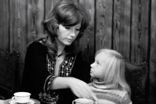 Алла Пугачева с дочерью Кристиной. 1978 г.