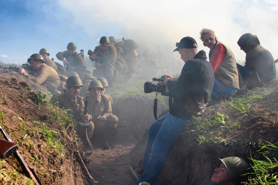 Фильм снимался с настоящей техникой по тем же технологиям, по которым делаются фильмы на больших студиях.