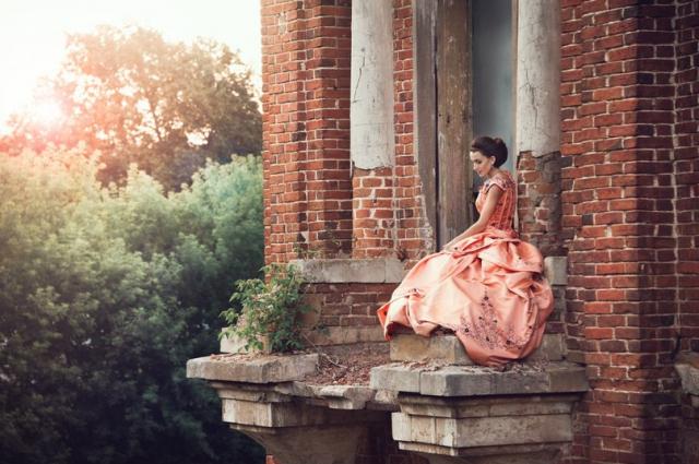 Кристина Дёмина позирует для фотографов с 2010 года.