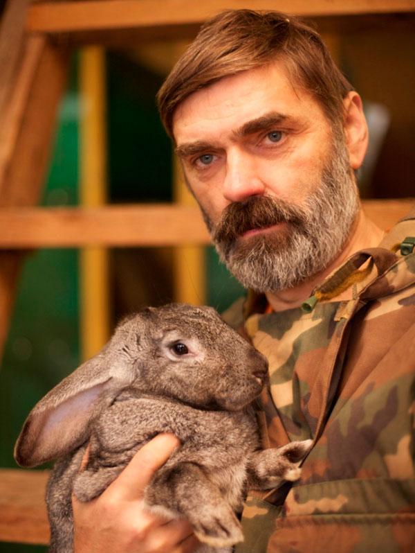 Агробизнес начинался с разведения кроликов.