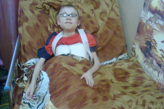 Пять лет назад читатели АиФ.ru помогли семье купить новую кровать для старшего мальчика.