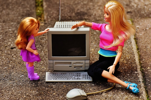 Следующий шаг эволюции - развитие Интернета вещей. Конечно, не для кукол, но как минимум для домашних бытовых приборов.