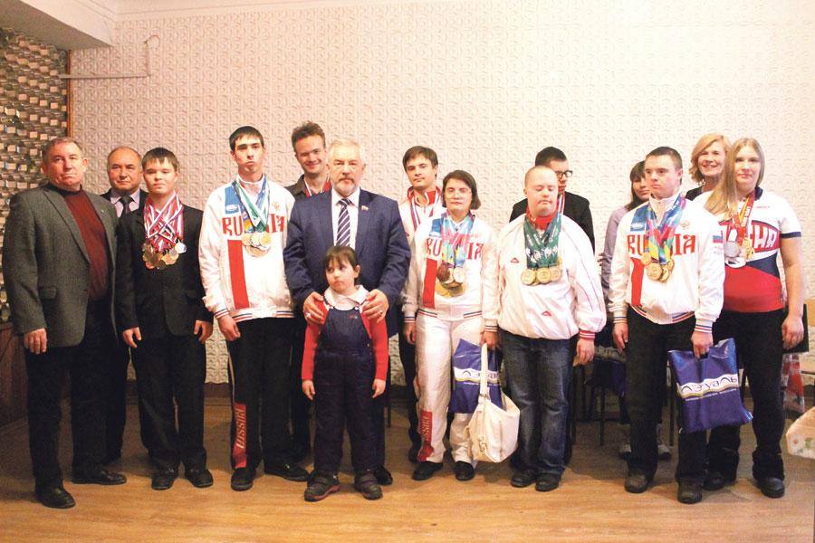 Благодаря поддержке Александра Алексеевича, его вниманию  ребята чувствуют себя защищёнными.