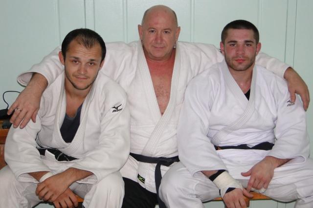 Воспитанники Вихляева Игорь Шибалов и Михаил мачин уже сами стали тренерами.