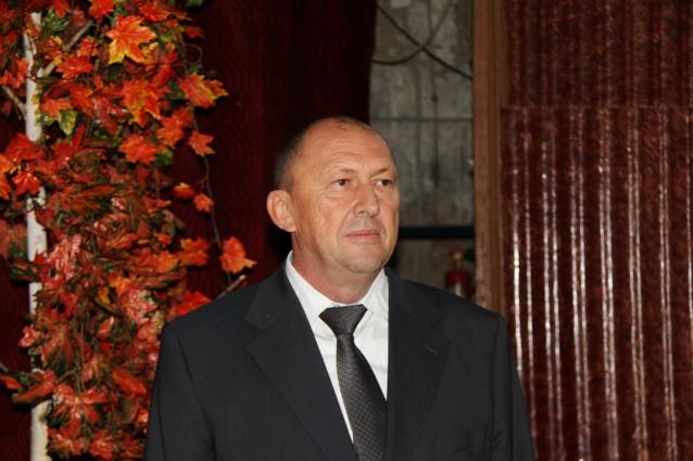 Сергей Таранов поздравил и поблагодарил работников хозяйства.