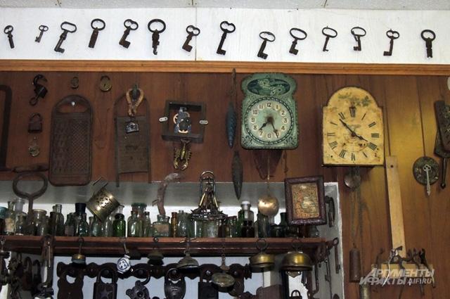 В Музее ржавых гвоздей большая коллекция старых ключей