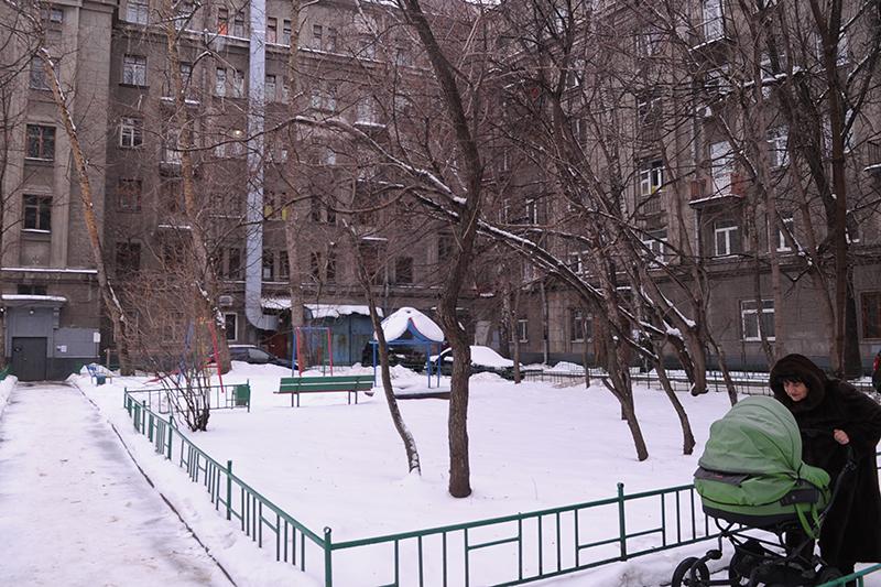 Во дворе по улице Часовой
