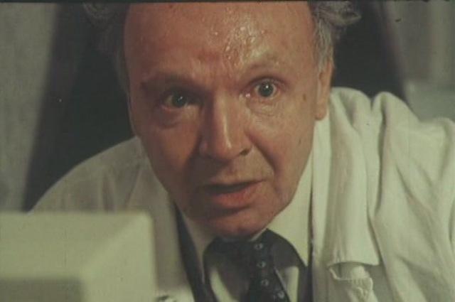 Мягков сыграл у Астрахана профессора, экспериментирующего с человеческими жизнями.