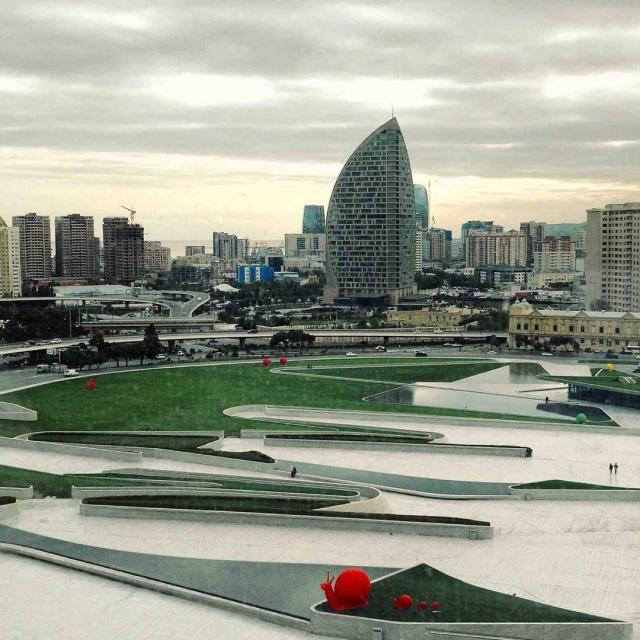 Культурный центр Гейдара Алиева считается одним из символов современного Баку.