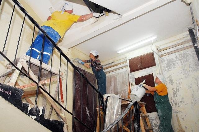 Жители часто путают капитальный и текущий ремонты, что позволяет УК обманывать их и присваивать средства, выплаченные до 2014 года.