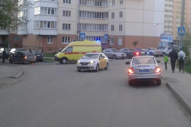 Велосипедист не спешился перед проезжей частью.