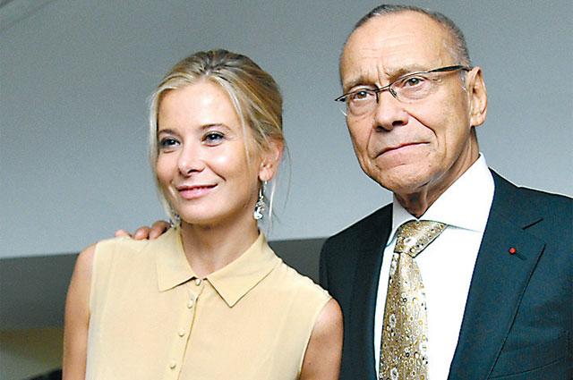 Юлия Высоцкая и Андрей Кончаловский надеются на лучшее.
