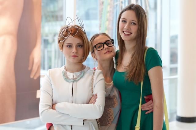 Новая многосерийная лента повествует о жизни трёх лучших подруг – Шуры, Ани и Юли.