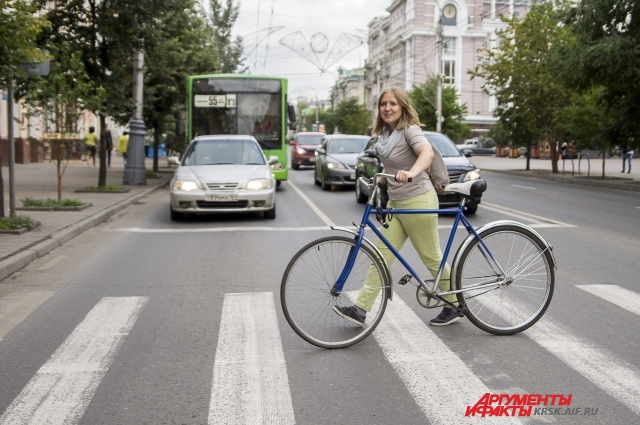 По мнению властей, велосипедистов не так много, чтобы для них благоустраивать инфраструктуру.