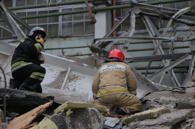 Свердловские спасатели вытащили из под завалов четырёх погибших и 14 пострадавших рабочих.