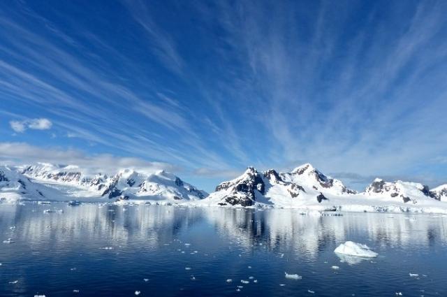 Граница России доходит до Северного полюса