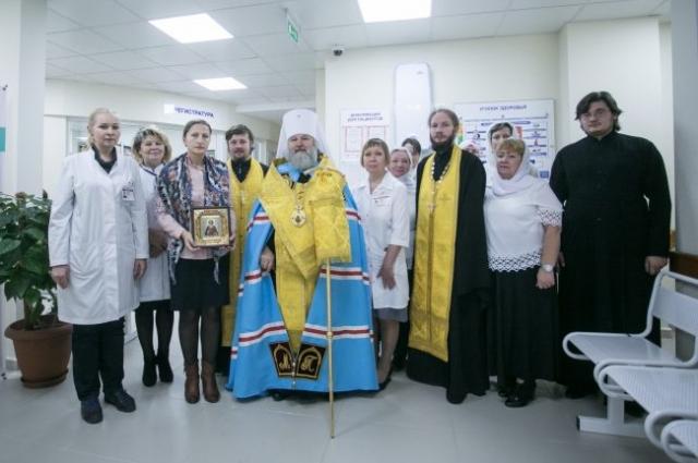 Елена Кутефа на освящении филиала ОКБ на ул. Объездной